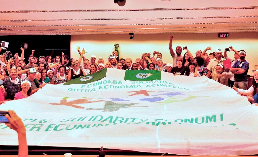 Economia Solidária é pauta de audiência no Congresso e militância lota auditórios defendendo a Senaes e a continuidade das políticas públicas