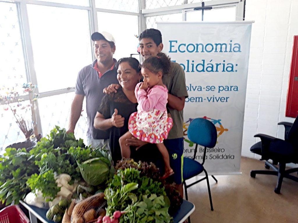 Tânia e família, no Centro Público de Economia Solidária